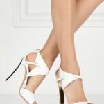 Cколько пар обуви нужно женщине в гардеробе?